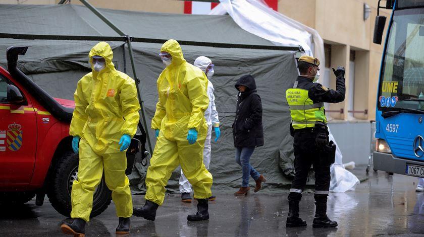 Mais de 15 mil mortos em Espanha