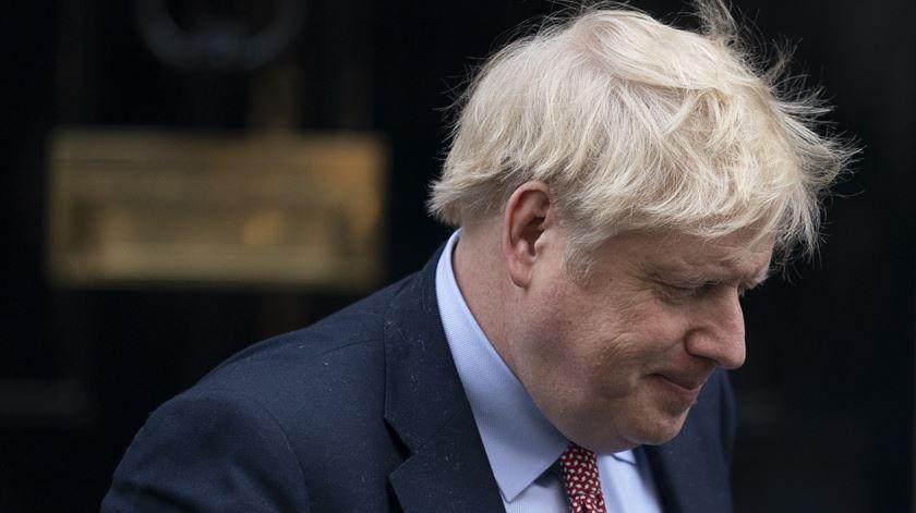 Boris Johnson deixa os cuidados intensivos