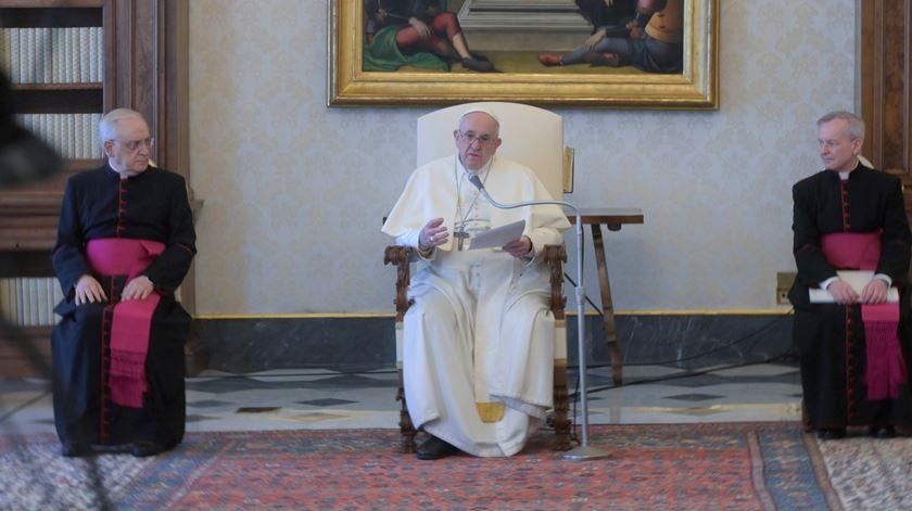 """Papa reflete sobre o papel de Deus no combate à pandemia. """"O Senhor nunca nos abandona, nem se esquece de nós"""""""