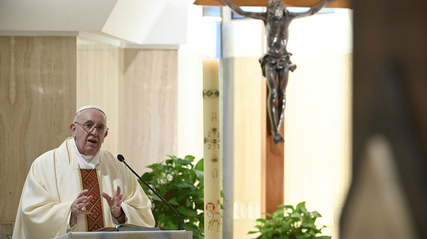 """Papa dirige-se aos Estados Unidos e condena racismo. """"Nada se ganha com violência"""""""