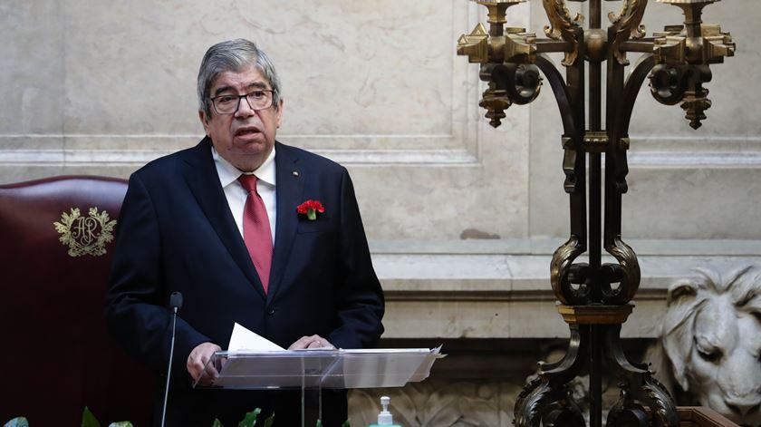 Agendamento de iniciativa sobre referendo à eutanásia nas mãos de Ferro Rodrigues