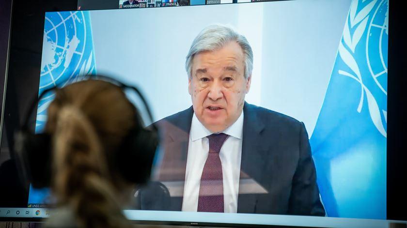 """António Guterres: Mundo está a pagar pela falta de """"unidade na resposta à covid-19"""""""