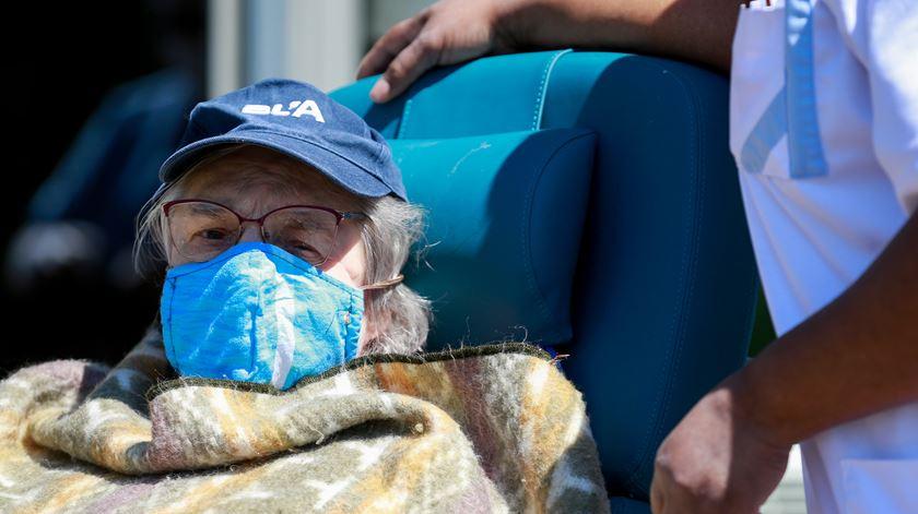 Enfermeiros do Sul alertam para risco de novos surtos em lares de idosos