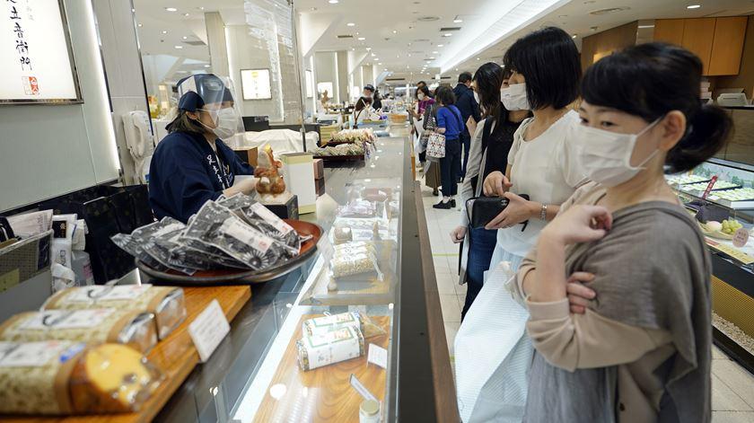 Japão levanta alerta sanitário em todo o país