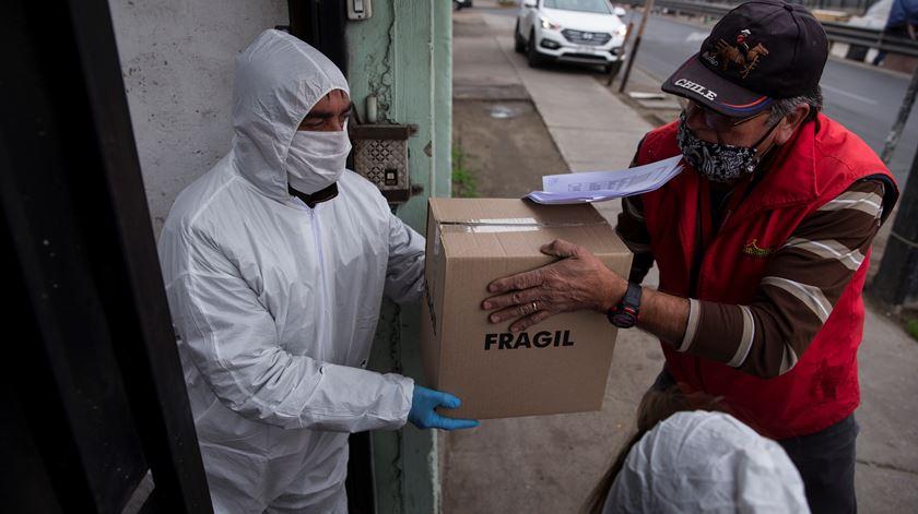 Vírus já matou quase 580 mil pessoas e infetou mais de 13,4 milhões no mundo