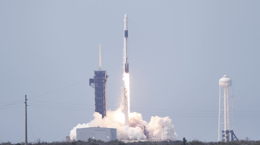 Lançamento bem sucedido. Foguetão da NASA e da SpaceX já está em órbita