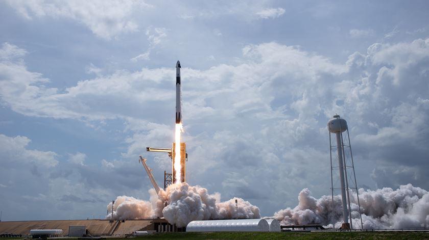 Missão histórica. Foguetão da NASA e de Musk já está em órbita