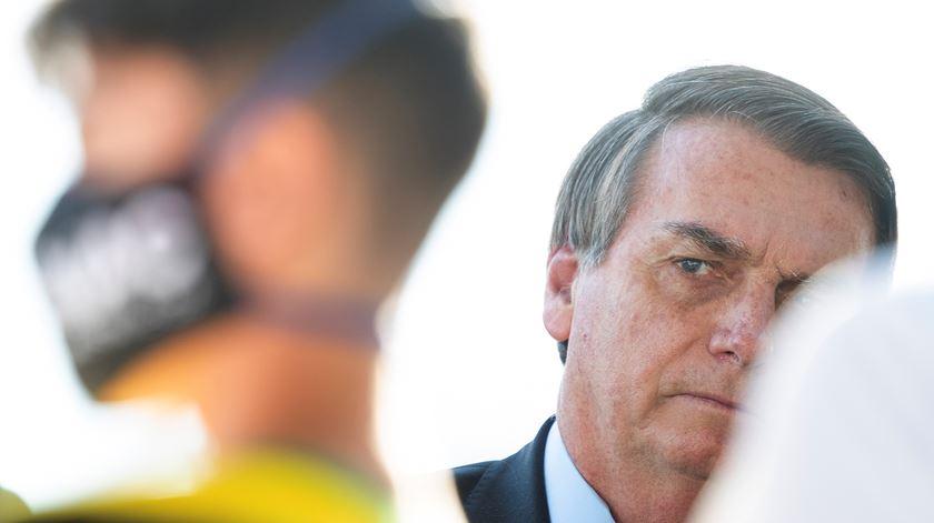 Bolsonaro volta a testar positivo à Covid-19