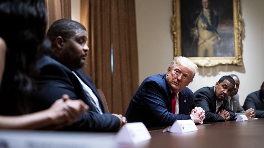Campanha de Trump acusada de desencorajar milhões de afroamericanos de votarem