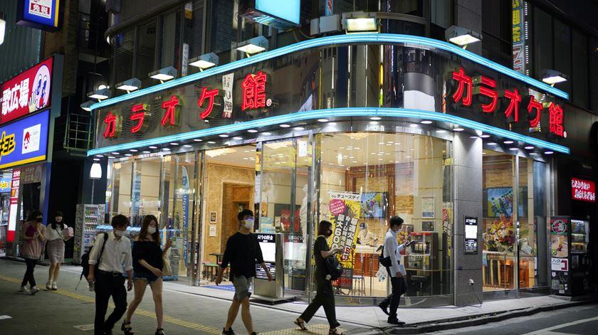 Covid-19 no Japão. Tóquio em alerta máximo devido a aumento de infeções