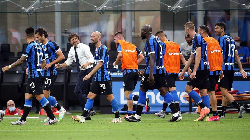 Empate do Inter de Milão deixa Juventus a uma vitória do nono título seguido