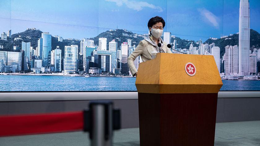 França junta-se à lista de países que já suspenderam acordos de extradição com Hong Kong