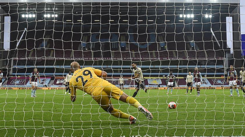 Inglaterra. Bruno Fernandes volta a marcar e Man United está perto da Champions