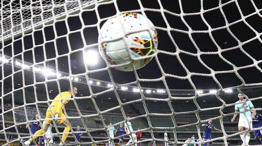 Itália. Miguel Veloso empatou Inter