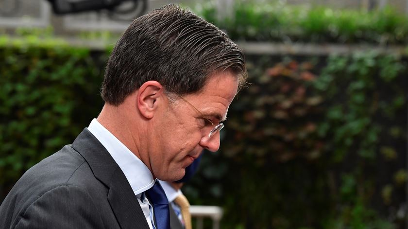 Covid-19. Holanda reforça medidas após aumento significativo de casos