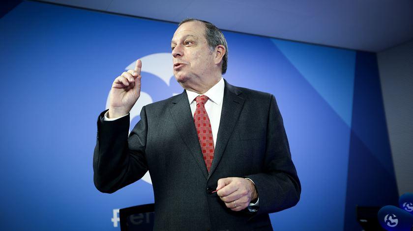 Pretendentes ao cargo de Costa no PS vão ter de esperar, diz César