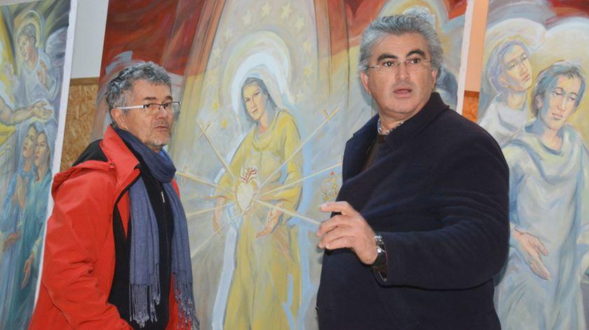O padre Sezinando Alberto (à direita) e o artista Serge Nouailhat. Foto: DR