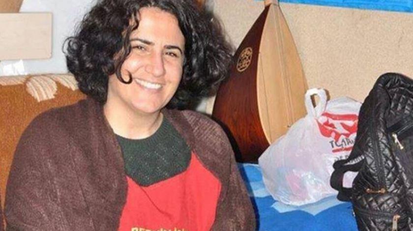Advogada turca morre após 238 dias em greve de fome. Ebru Timtik queria um julgamento justo