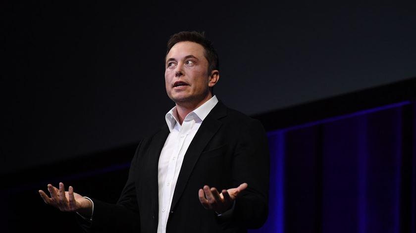 Black Mirror na vida real? Elon Musk quer implantar sensores no cérebro humano