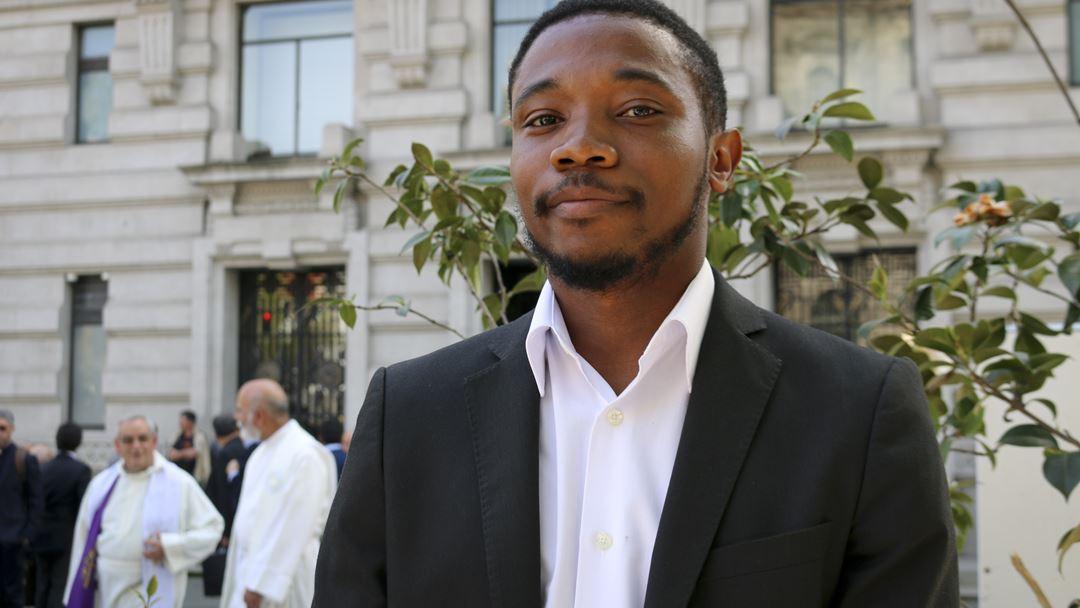 Elie é natural de São Tomé e Príncipe, mas está a estudar no seminário de Lisboa. Foto: Marília Freitas/RR