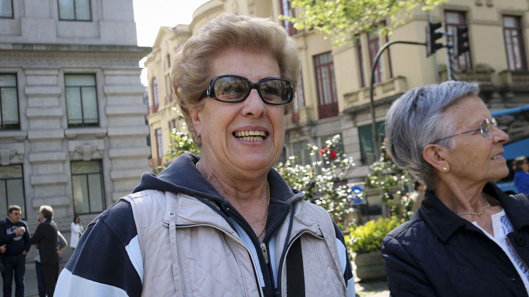 """Emília pediu a Fernando Medina que """"cuide bem"""" de D. Américo Aguiar. Foto: Marília Freitas/RR"""