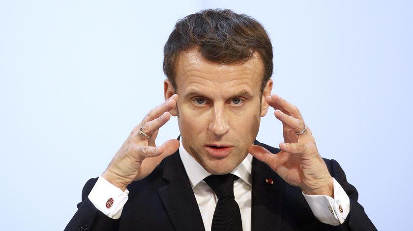 Combate ao islamismo radical. Macron aperta o cerco ao financiamento de mesquitas