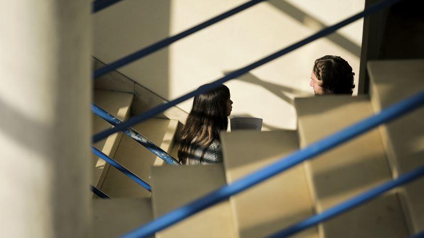 Universidades preparadas para fazer regressar ensino presencial em setembro