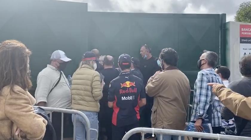 """Adeptos barrados à entrada do Autódromo do Algarve dizem que """"organização não deu qualquer justificação"""""""