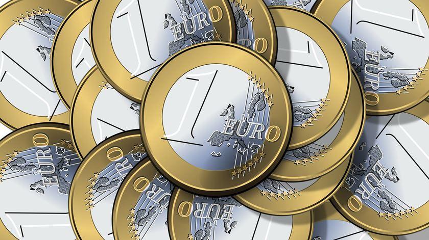 Cada português terá perdido 41 mil euros desde a adoção da moeda única