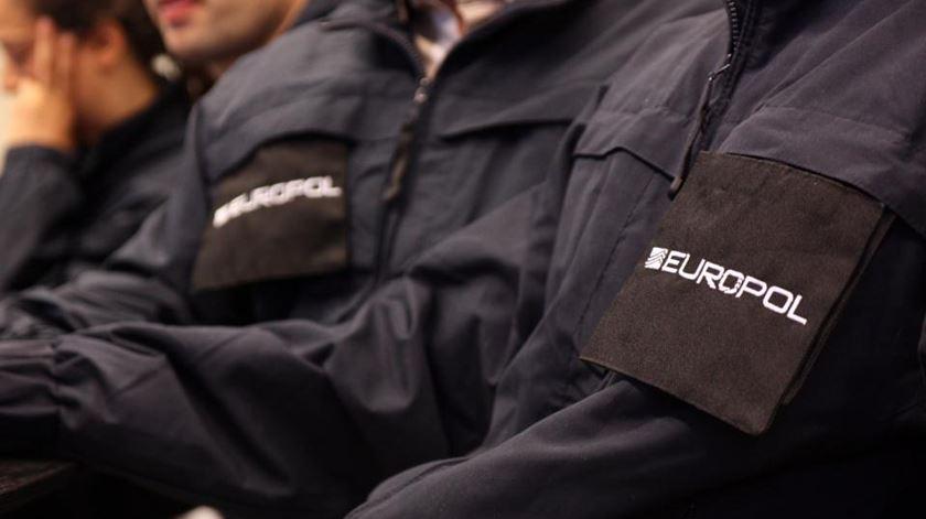 Europol apreende 27 milhões de máscaras falsas