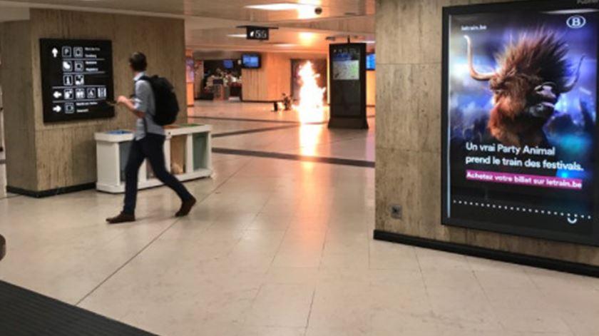 Explosão na gare central causa pânico em Bruxelas