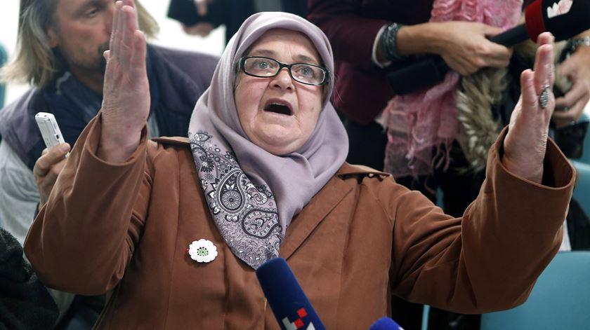 Condenação de Mladić: familiares das vítimas de Srebrenica não contêm emoção