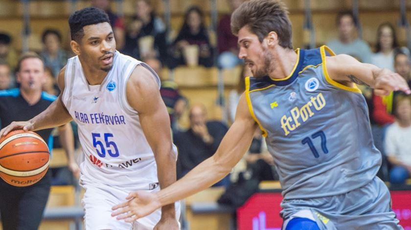 Húngaros levaram a melhor. Foto: FIBA