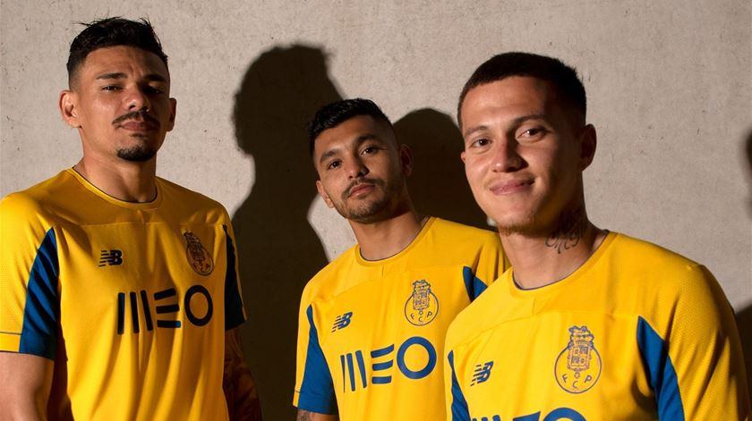 Camisola alternativa do Porto será amarela