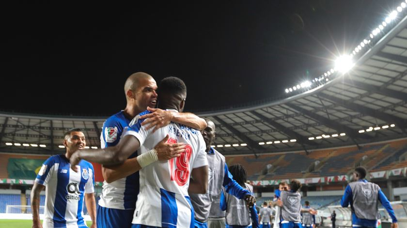 Pepe, Fábio Vieira e João Mário distinguidos pelo FC Porto