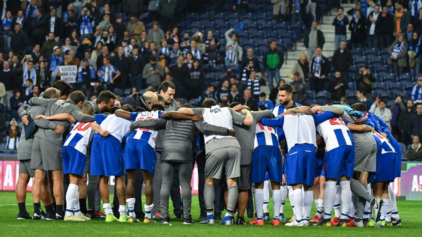"""FC Porto e o """"E-Toupeira"""". """"Banco dos réus desfalcado"""""""