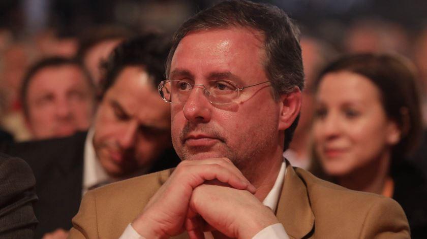 Deputado do PSD não estava no Parlamento, mas votou