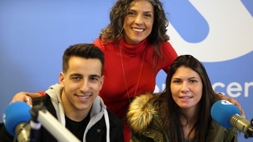 O músico Fernando Daniel e a jogadora da seleção de futebol feminino, Ana Borges passaram pelo programa da Sónia Santos