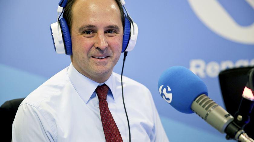 Fernando Medina questiona BE. Quanto custaria a nacionalização do Novo Banco?