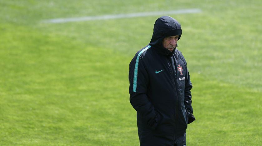 Fernando Santos orienta a seleção portuguesa na Cidade do Futebol, em Oeiras.Foto: José Sena Goulão/Lusa