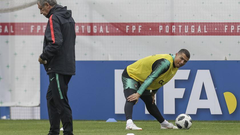 Fernando Santos conta com o baralho todo para enfrentar Espanha