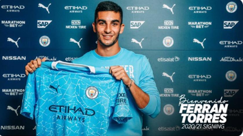 Manchester City contrata Ferrán Torres