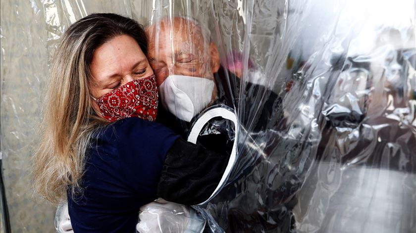 Brasil ultrapassa 1,5 milhões de casos de infeção