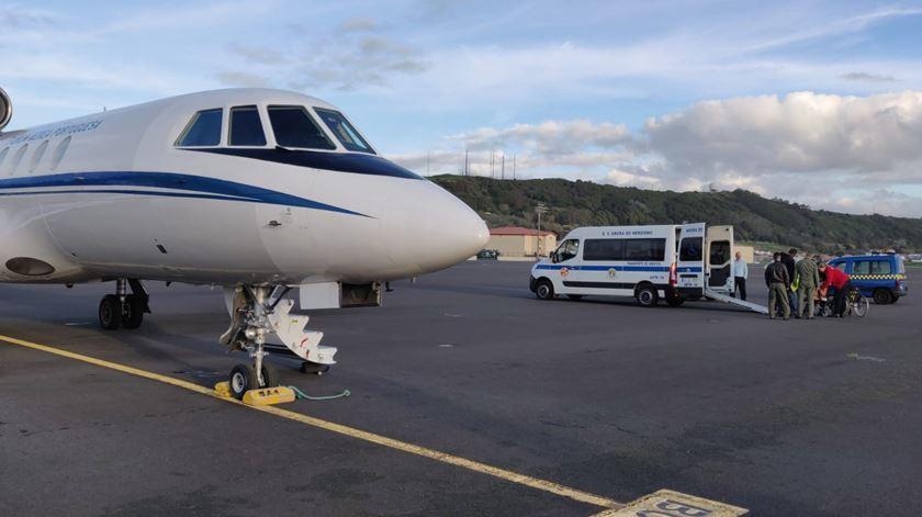 Voo da Força Aérea transporta criança de urgência dos Açores