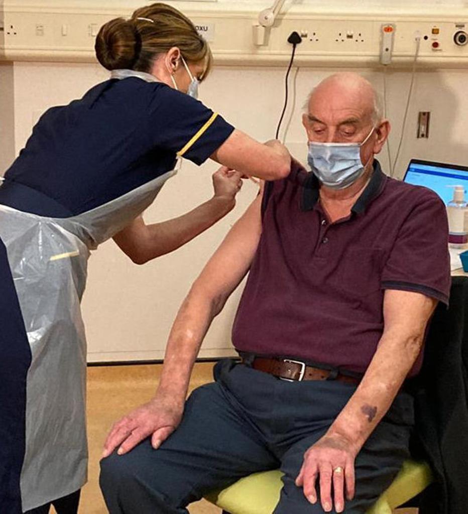 Em todo o mundo estão a decorrer campanhas de vacinação. Foto: Twitter Churchill Hospital