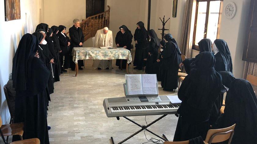 Papa Francisco visitou freiras clarissas. Foto: Sala de Imprensa da Santa Sé