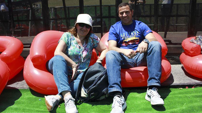Casa Fernanda e Jorge, de Linda-a-Velha, sentados junto ao Palco Mundo. Foto: Ricardo Vieira/RR