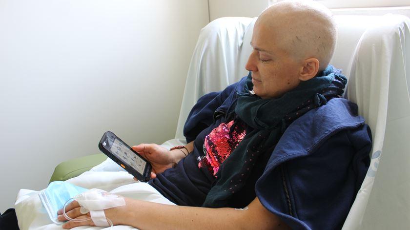 """IPO de Coimbra mais próximo de doentes com cancro através de """"app"""" pioneira"""