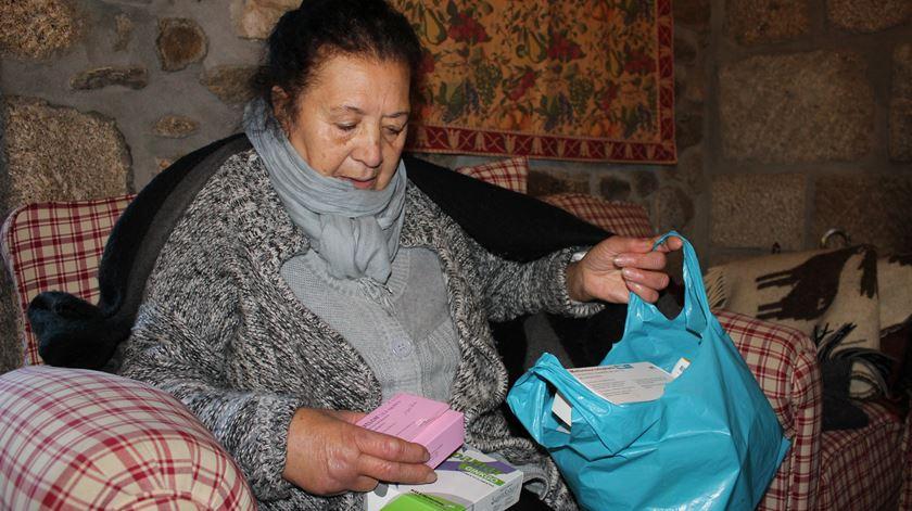 """""""O meu marido 8doente de Alzheimer] ainda hoje continua a querer ir para casa, não posso ter a porta aberta."""" Foto: Liliana Carona/RR"""