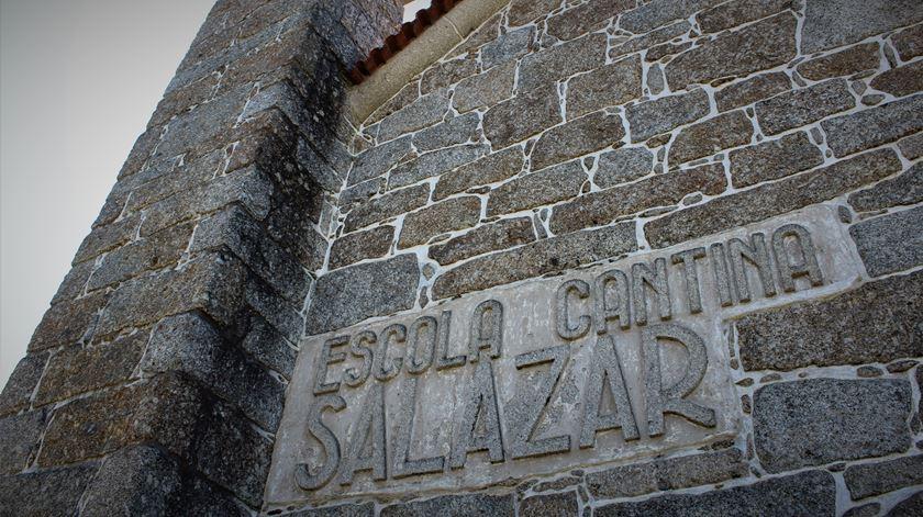 Autarquia quer criar centro sobre Estado Novo e não Museu Salazar - Reportagem de Liliana Carona